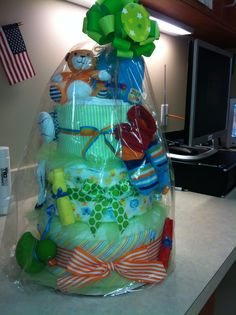 Diaper cake.  Cute babyshower idea