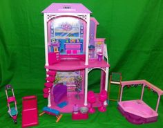 2011-Mattel-Barbie-2-Story-Beach-House