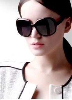 2da75df287 2014 Women Polarized Sunglasses Retro Sun Glasses Fashion Big Frame Shades  UV 400 Eyewear Oculos De sol Gafas With Case Black