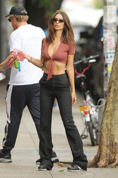 Fall Fashion Outfits, Stylish Outfits, Emily Ratajkowski Outfits, Dressing, Pretty Lingerie, College Fashion, Workout, Aesthetic Clothes, Celebrity Style