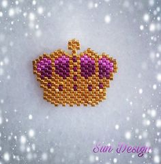 Kral tacımız ister broş ister kolye sizcede çok şık değil mi? Tasarım #coeur__citron a aittir. Design by @coeur__citron