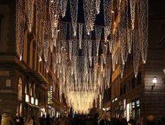 Iluminación de Navidad, Calles y Callejones de Navidad #GermanLeonardoVargasBeltran #GermanVargasBeltran