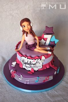 doces projectos MU: Bolo Madalena #Violetta Novembro 2014 Teen Cakes, Girly Cakes, Violetta Torte, Birthday Cakes Girls Kids, Music Themed Cakes, Fondant Girl, Simple Cake Designs, Piano Cakes, Food Crafts