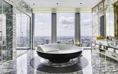 Eclectic Bathroom Accessories, Apartamento New York, Carlton Hotel, Bath Mat Design, Woman Bedroom, Luxury Towels, Types Of Rooms, International Real Estate, Apartments For Sale