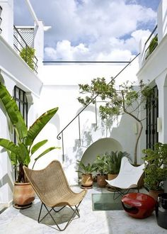 By putting some thought into your patio design, you can extend the boundaries of your home beyond its walls to create a cozy outdoor living space.