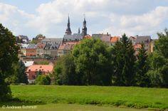 Station 18 - Waldenburg: Blick über Waldenburg - Waldenburg befindet sich im sächsischen Landkreis Zwickau. Ab 1542 war der Ort mehr und mehr der Reformation zugewandt. Die Lutherkirche im klassizistischen Stil wurde jedoch erst wesentlich später, zwischen 1823 und 1824, erbaut.
