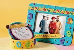 Resultado de imagen para recuerdos de graduacion preescolar Preschool Graduation, Ideas Para Organizar, Frame, Home Decor, Google, Favors, Prom Party, Innovative Products, Homemade Home Decor