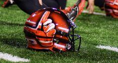Utah Utes Football, College Football, Custom Helmets, University Of Utah, Football Helmets, Sports, Hs Sports, Sport