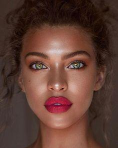 Beautiful eyes makeup – so simple Beauty Make-up, Fashion Beauty, Beauty Hacks, Hair Beauty, Make Up Looks, Beautiful Eye Makeup, Beautiful Eyes, Hello Beautiful, Pretty Eyes