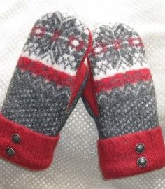 Felted Wool Sweater Mittens Fleece Lined Red by CristinesMittens - wool ideas - Sweater Mittens, Old Sweater, Wool Sweaters, Wool Felt, Felted Wool, Recycled Sweaters, Mittens Pattern, Wool Applique, Mitten Gloves