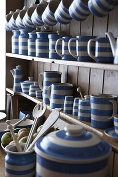 We love this striped dish wear, perfect to play in a cottage inspired kitchen. | Tggreen