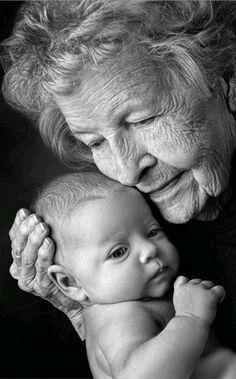 La importancia de la abuela materna por Alejandro Jodorowsky | Compartiendo Luz con Sol
