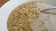 DOMA navařeno: Hrstková polévka Cheeseburger Chowder, Oatmeal, Breakfast, Recipes, Soups, The Oatmeal, Morning Coffee, Rolled Oats