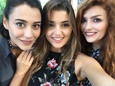 Ask laftan anlamaz Kalamkari Dresses, Hayat And Murat, Cute Love Stories, Hande Ercel, Asian Love, Turkish Actors, Girl Face, Best Actress, Celebs