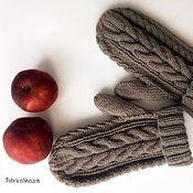Аксессуары ручной работы. Ярмарка Мастеров - ручная работа Серенькие теплые варежки ручного вязания, спицами. Handmade.