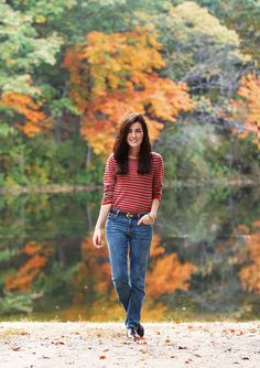 Love this casual look. It's hard sometimes to pull off wearing jeans but still look polished.  Classy Girls Wear Pearls: Red Maple Oxfords