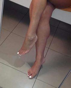 Beautiful Nice Toes, Pretty Toes, Feet Soles, Women's Feet, Foot Pedicure, Pernas Sexy, Teen Feet, Feet Gallery, Foot Pics