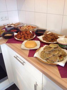Part of a vegan party buffet - everything self-made / Teil eines veganen Partybuffets, alles selbst gemacht - vegan -