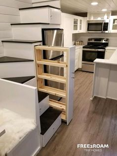 25 Space Saving Tiny House Storage Organization and Tips Ideas Tyni House, Tiny House Stairs, Tiny House Living, Tiny House Plans, Tiny House With Loft, Tiny House Ideas Kitchen, Tiny House Kitchens, Tiny House Family, Small Tiny House