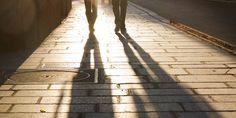 Alessandro D'Avenia – Le persone sono fatte ... Tutti noi siamo sia luce che ombra, l'importante sarebbe accettarsi per quello che siamo.  #Alessandrodavenia, #persone, #luce, #ombra,#conoscersi, #accettare, #liosite, #citazioniItaliane, #frasibelle, #ItalianQuotes, #Sensodellavita, #perledisaggezza, #perledacondividere,