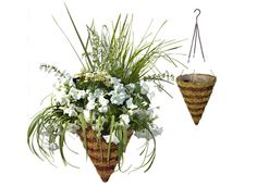 pretty much in love with this basket as well flowers are all i think about lately!!! ahhhh!