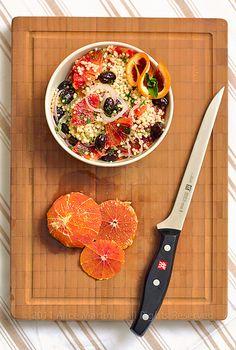 Insalata di cuscus, arance e olive nere