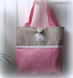 Sac à pois rose et blanc avec broderie mouton : Sacs à main par l-atelier-de-ambre