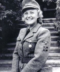 Norway, WWII, Norwegian volunteer in the German SS Ww2 Women, Military Women, Military History, German Women, German Girls, Raza Aria, Germany Ww2, German Uniforms, Military Pictures