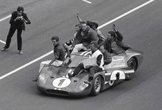 A race car associated with American legend Dan Gurney is the Ford Mark IV that he and A. Foyt took to a historic victory at Le Mans in Ford Gt40, Ford Mustang, Sports Car Racing, Sport Cars, Race Cars, Auto Racing, Road Racing, Carroll Shelby, Ferrari