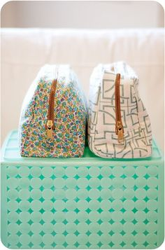 cute pouches, love the exposed zippers