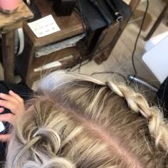 "PikkuMakkonen on Instagram: ""#raitoja #goldwell #colorancegoldwell #silklift #highlights #braids #hair #hairsalon #hairdressersoffinland #hairdressersofinstagram…"" Highlights, Braids, Dreadlocks, Hair Styles, Color, Beauty, Instagram, Bang Braids, Hair Plait Styles"