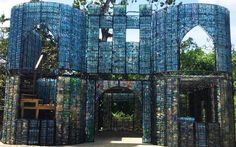 This man is creating a village in Panama out of plastic bottles – he has already collected over one million of them!