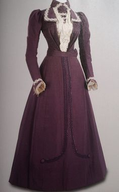 Laurie's Traveling Dress