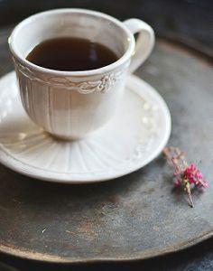 Bom dia,um café por gentileza… Um sorriso e boas energias…
