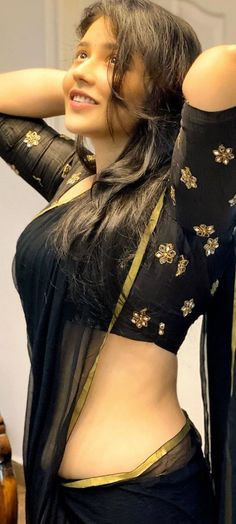 7a0b398403361053d7b1f10a168e9866 Sakshi Agarwal HD Photos| Hot Images| Wallpapers Indian Film Actress, South Indian Actress, Best Actress, Indian Actresses, Beautiful Girl Indian, Beautiful Indian Actress, Photos Hd, Saree Navel, South Indian Film