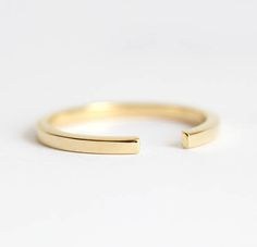 Open wedding ring made of 14 carat gold, stackable midi knuckle ring, simple matching band, 18 carat . Unique Diamond Engagement Rings, Shop Engagement Rings, Diamond Wedding Bands, Wedding Ring, Wedding Bells, Gold Gold, 18k Gold, Carat Gold, White Gold
