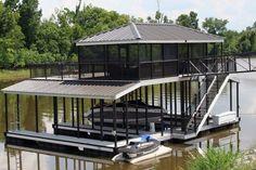 Enjoy our Wahoo Docks aluminum boat dock gallery with images and boat dock pictures. Find your favorite dock design & get started! Lake Dock, Boat Dock, Dock House, Deck Shade, Boat Garage, Luxury Modern Homes, Haus Am See, Floating Dock, Lakefront Property