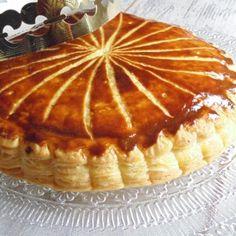 Ma meilleure galette frangipane - Yumelise - recettes de cuisine No Bake Desserts, Easy Desserts, Dessert Recipes, Puff Pastry Croissant, Galette Frangipane, Eat Me Drink Me, Sweet Pastries, Nutella, Sweets
