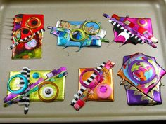 never used friendly plastic but i like the design of these Friendly Plastic - mixed media Fused Glass Jewelry, Plastic Jewelry, Fused Glass Art, Plastic Fou, Shrink Plastic, Melted Plastic, Shrink Art, Friendly Plastic, Arts And Crafts