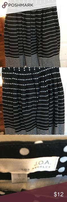 "Black and white pleated skirt Thick cotton material, pleated, very cute!  About knee length on me at 5'7"" JOA Los Angeles Skirts A-Line or Full"