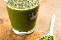 #Blend een frisse najaar-smoothie. #Smoothie met druiven, komkommer en #tarwegras