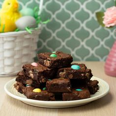 Discover recipes, home ideas, style inspiration and other ideas to try. Mini Egg Recipes, Easter Recipes, Baking Recipes, No Bake Treats, Yummy Treats, Sweet Treats, No Egg Desserts, Dessert Recipes, Easter Desserts