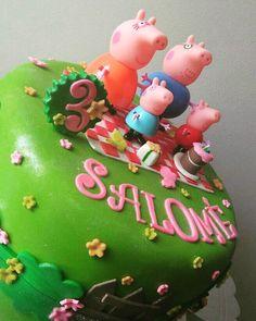 Peppá pig, el personaje favorito de muchos niños y niñas en este hermoso ponqué #bucaramanga #peppapigparty #peppapigcake #Cumpleaños