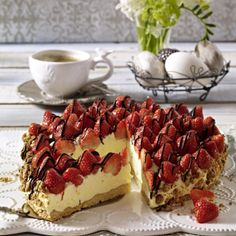 The post Heavenly strawberry pie appeared first on Dessert Park. Easy Strawberry Desserts, Quick Easy Desserts, Strawberry Cakes, Dessert Cake Recipes, Pie Recipes, Dessert Food, Cheesecake Recipes, Nake Cake, Coffee Cake