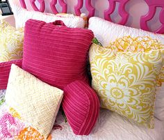 girls bedroom mixed up pillows