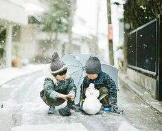 let it snow Hamada Hideaki Asian Kids, Asian Babies, Cute Kids, Cute Babies, Baby Kids, Japan Fashion, Kids Fashion, Little People, Little Ones