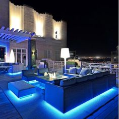 rooftop-garden-modern-deck-lighting-withLEDs - Home Decorating Trends - Homedit Design Patio, Outdoor Patio Designs, Diy Patio, Patio Ideas, Rooftop Design, Garden Design, Sofa Design, Firepit Design, Roof Ideas