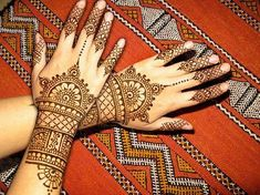 Hi friends, my beautiful heart shaped and other deisgns of latest henna mehandi collections for 2013 valentine's day celebration. Do you all like my mehandi designs collecitons? 2013 Lover's day special and latest henna mehndi designs for hands 2013 … Eid Mehndi Designs, Mehndi Designs For Beginners, Mehndi Design Pictures, Wedding Mehndi Designs, Mehndi Designs For Hands, Simple Mehndi Designs, Mehndi Images, Mendi Design, Henna Style Tattoos