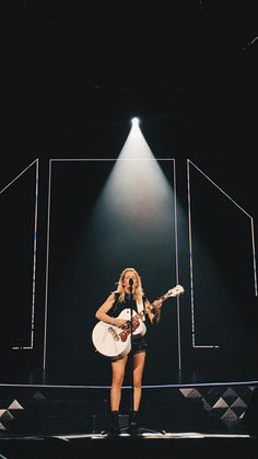 Ellie Goulding, Extended Play, Her Music, Demi Lovato, Record Producer, Cute Pictures, Singers, Musicians, Crushes