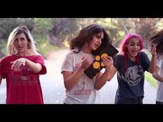 Great new double-video from US dreamy all-girl band Warpaint! #Music